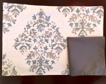 Set of 6 Place Mats & Napkins