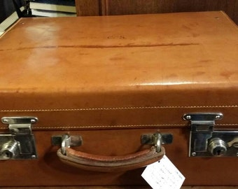 Antique vintage leather suitcase  (dressing case ) 1920's. Made by 'forsthye' of Edinburgh
