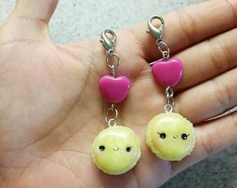 Kawaii macarons w/ heart