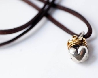 Heart pendant with Golden Crown