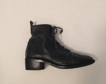 Black Leather Lace up Ankle Boots Vintage Victorian inspired Nine West 90s 7.5