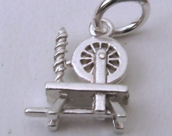 Genuine SOLID 925 STERLING SILVER 3D Antique Spinning Wheel charm/pendant