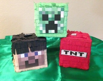 Minecraft Mini Pinata. Sets of 6 units. Minecraft parties supplies. Party decorations and supplies. Souvenirs