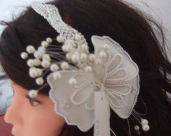 Acconciatura matrimonio sposa wedding white hairstyle veil pearls hair comb