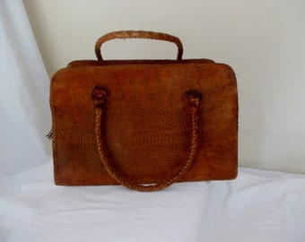 Vintage Genuine Lizardskin Handbag, Twin Handles, Tassle, Shopping Bag, oversized handbag.  Natural bag, 1950s
