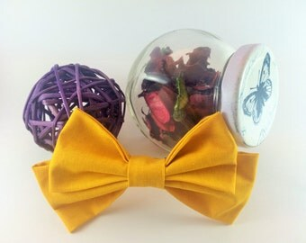 Bow tie brooch pin yellow