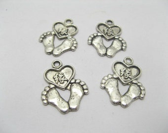 feet & Heart  Pendants X 30