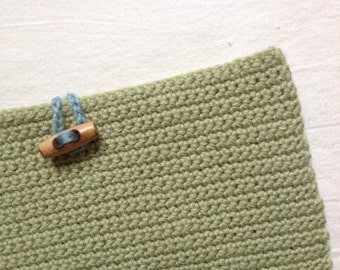 Ipad case in green wool