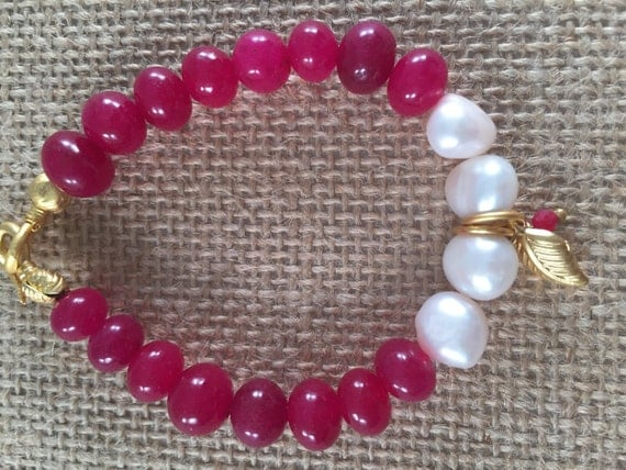 Stretch Bracelet , Rubies Beads and Pearls, with Leaf Charms, Swan Clasp, Gold Plated, 7.5 inches
