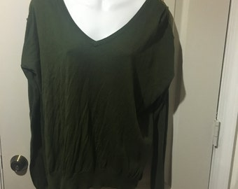 Perfect for the fall. Green Romeo & Juliet Couture Blouse. Size M