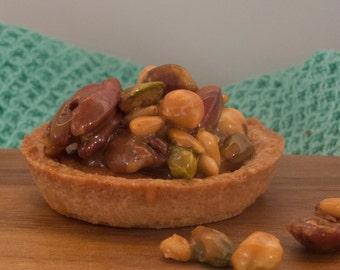 Caramelized nuts tartelettes
