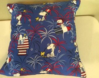 Snoopy patriotic pillow