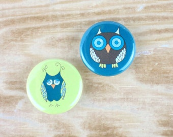 Owl badges (set of 2). Cute owl badge, Cute Owl Pin, Owl Pin, Owl badge, Ideal Stocking filler, Party Bag filler, Owl Birthday