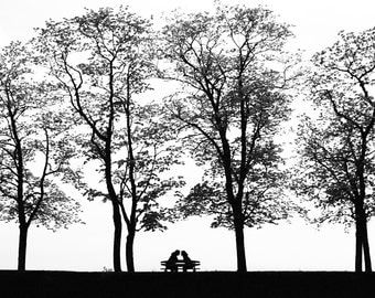 Couple under the threes, Street Photography, Black and White, Romantic, Couple, Horizontal Print