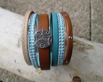 Cuff in leather, suede and her bracelet magnetic clasp of 42mm in width.
