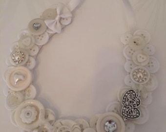 Lucky Wedding Button Horseshoe