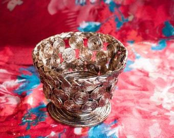 Trinket/Jewellery/Decorative dish hand made from recycled magazines
