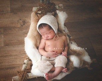 Wooden chair newborn photography props