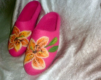 Woman Flower Felted Woolen Slippers Clogs Vegetarian Women Pink Shoes Nature Herb Painting Eco Lily Felting Easter Mother Wife Grandma Gift