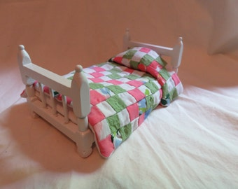 "Dollhouse Twin Quilt ""Pink, Green & Lupine"""