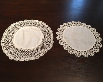 Vintage Set of Round Doilies