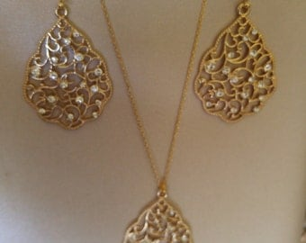 Gold Filigree NECKLACE and EARRING SET with 16 Mini Rhinestones on each Filigree, 16K Gold Plated Chain, 16K Gold Plated Earwires,Drop