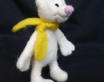 Needle felted bear, white bear with a scarf, ecofreindly toy, soft toy, needle felted animal, for interior, figurines, bear sculpture