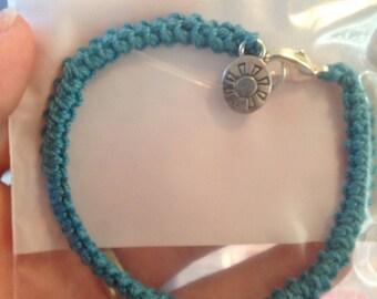 Single crochet bracelet with sun charm