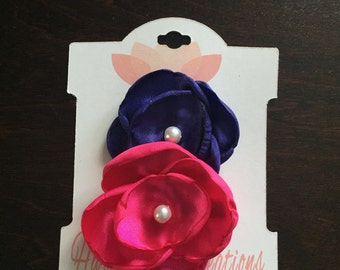 Baby hair clips, Set of 2 Satin Flower hand singed Hair Clips, Satin flowers, children's hair clips, photo prop