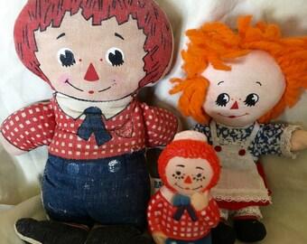 Lot 3 Vintage Knickerbocker Raggedy Anne, Andy dolls. Finger Puppet, One Pellet filled doll