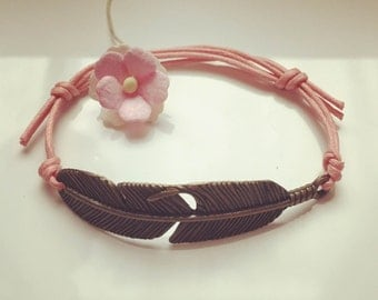 Bracelet with large spring in pink, waxed cotton, vintage, statement, blogger, feather, fly, freedom