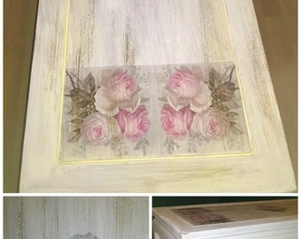 Vintage style coffee table pink rose