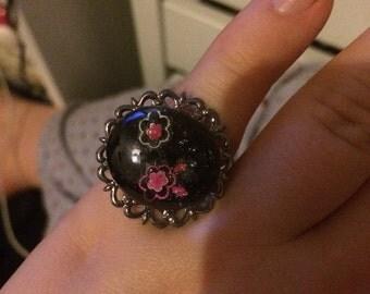 Black flower ring
