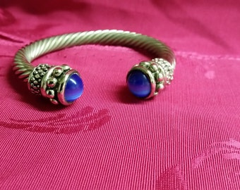 Silver cord bracelet/bangel with saphire accents