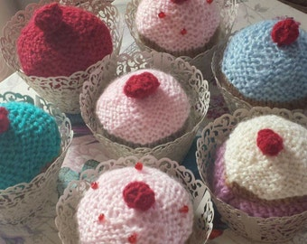 KNITTED CUPCAKE GIFTS