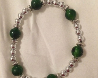 Green and silver stretch bracelet