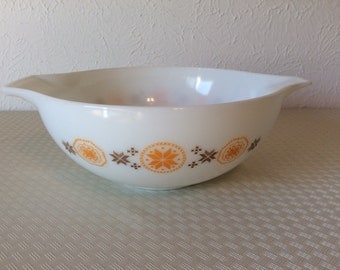 Vintage Pyrex Town and Country Cinderella Mixing Bowl