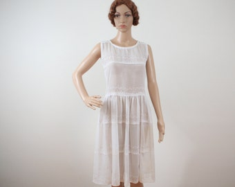 White Cotton Eyelet Lace Dress Women's Handmade from the 1950s
