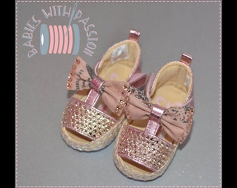 Sandals made of Swarovsky crystals plus two bobbles