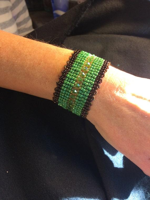 NO 105 Hand Beaded Crystal Glass Bracelet