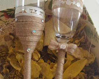 Vintage champagne glasses for special's wedding