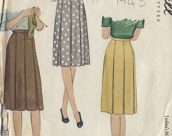 """1943 Vintage Sewing Pattern SKIRT W:28"""" (R114) McCall 5154"""