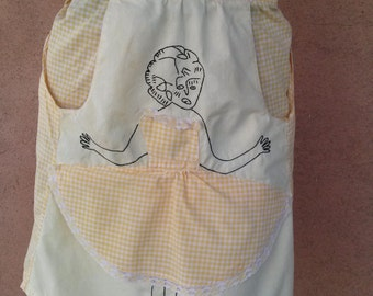 Vintage 1950s Apron Peek-a-Boo Lady Yellow Gingham 201678