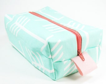 Makeup Bag / Cosmetic Bag/ Travel Bag / Toiletry Bag - Mint Arrows