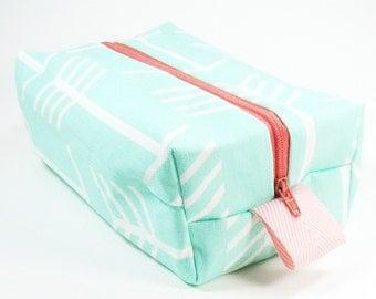 Makeup Bag / Cosmetic Bag/ Travel Bag / Toiletry Bag - Mint Arrows