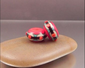 Ginnovations lampwork, Ruby South bead pair (2 beads)