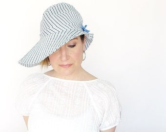 Womens wide floppy brim sun hat in blue stripe cotton : Ripple Effect