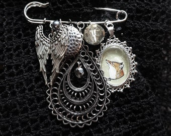 Forest Animal Jewelry- Fox Pin, Fox Brooch , Kilt Pin Jewelry, Great Gift For Her