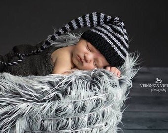 Newborn Baby BoY Knit Hat BaBY PHoTO PRoP BLaCK GReY Stripe Stocking Cap Long Tail PiCK CoLOR Elf Beanie MuNCHKiN Cap RoCker ReBeL Pixie Hat
