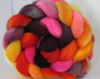 12 DOLLAR SALE - Hand Dyed Falkland Wool Combed Top Roving  (4.0 oz) - Drama Queen - Spinning Fiber Hand Painted Kettle Dyed